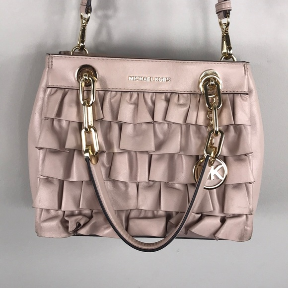 f6f3c147e112 MICHAEL KORS CYNTHIA SMALL RUFFLED LEATHER SATCHEL.  M_5b78a9a4f30369c8557dbda2